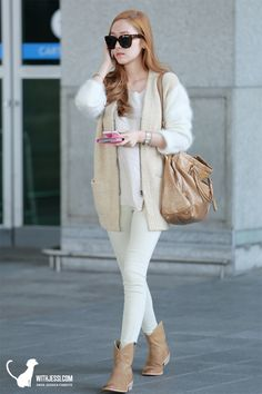 Jessica Jung / Love her casual look Snsd Fashion, Asian Fashion, Girl Fashion, Womens Fashion, Fashion Design, Petite Fashion, Jessica Jung Fashion, Airport Style, Airport Fashion