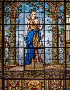Diane: (Diana) diosa de la caza y tierras salvajes. Galería de emplomados del Castillos de Chapultepec, en la Ciudad de México.