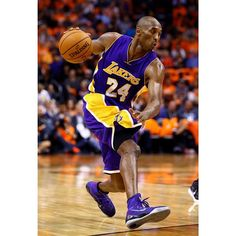 #SoleWatch: @kobebryant dropped 31 last night in a new Nike Kobe 9 Elite PE.