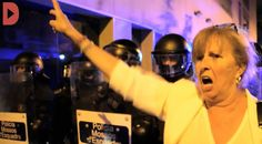 La tercera nit de protestes en defensa del Banc Expropiat reuneix més de...