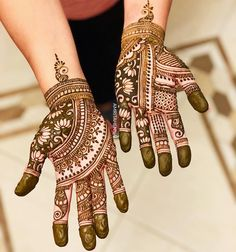 The World's Top Fashion Trends With Top Fitness Models Mehndi Design Pictures, Mehndi Art Designs, Bridal Mehndi Designs, Wedding Mehndi, Bridal Henna, Top Fitness Models, Full Hand Mehndi, Craft Eyes, Henna Patterns
