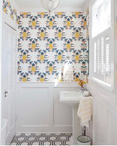 Pineapple (Sorbet) Powder Room