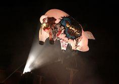 Conoce a los artistas mexicanos que pintaron el legendario cerdo de Roger Waters