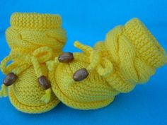 Baby Hat & Booties w Wood Beads by Elena Mitchell @ Solnishko43  - *pattern