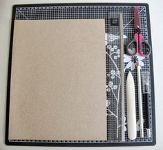 Pocket Mini Album Tutorial *** Laura Diaz - LAtelier Scrap Blog