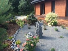 Ogród przedłużeniem lasu z którym graniczy. #projektowanie ogrodów, #hurtownia kamienia, #projektowanie ogrodów Toruń, #projektowanie ogrodów Bydgoszcz, #ogrody Toruń, #ogrody Bydgoszcz.