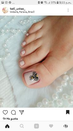 Похожее изображение Simple Toe Nails, Pretty Toe Nails, Cute Toe Nails, Love Nails, Toe Nail Color, Toe Nail Art, Easy Nail Art, Feet Nail Design, Toe Nail Designs