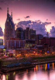 Sunset on Nashville's Cumberland River