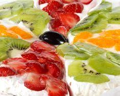Fruit cake with mascarpone Dessert Recipes, Desserts, Fruit Salad, Baked Goods, Baking, Cake, Food, Pastries, Mascarpone