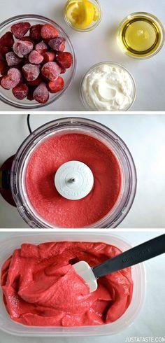 YogoFrozen de Morango. Caseiro, saudável e muito fácil de fazer: 4 xícaras de morangos congelados 3 colheres de sopa de Agave néctar ou mel 1/2 xícara de iogurte natural 1 colher de sopa de suco de limão