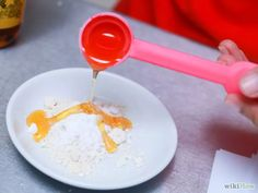 Imagem intitulada Make a Baking Soda Facial Step 11