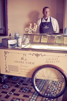 Icecream cart at a wedding! Yes please! | Via One Fab Day