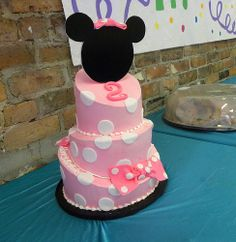 Minnie Mouse Topsy Turvy by Carolina Cakes & Confections, via Flickr