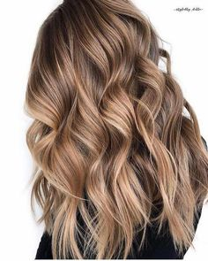 Long Wavy Ash-Brown Balayage - 20 Light Brown Hair Color Ideas for Your New Look - The Trending Hairstyle Brown Hair Balayage, Brown Blonde Hair, Brown Hair With Highlights, Balayage Brunette, Hair Color Balayage, Caramel Balayage, Caramel Highlights, Color Highlights, Brunette Hair