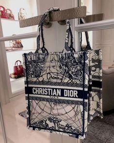 Best Handbags, Hermes Handbags, Replica Handbags, Louis Vuitton Belt, Louis Vuitton Handbags, Best Designer Bags, Designer Belts, Designer Handbags, Chanel Purse