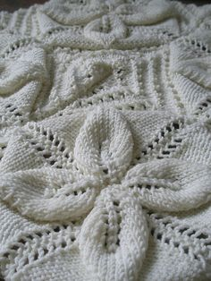Brilliant knitting pattern - ideal for baby blanket