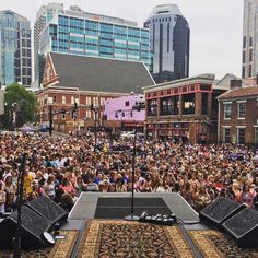 when Keith Urban plays a free concert in Nashville. #RIPCORD