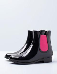 ee86f3faba5e8 Bershka España -Botín BSK Lluvia Rain Boots, Knee High Boots, Ugg Boots,
