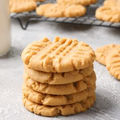 My go-to recipe for peanut butter cookies! They're deliciously soft and perfectly peanut buttery. Easy to make recipe too! My go-to recipe for peanut butter cookies! They're deliciously soft and perfectly peanut buttery. Easy to make recipe too! Easy Cheesecake Recipes, Easy Cookie Recipes, Dessert Recipes, Dinner Recipes, Dessert Bread, Snacks Recipes, Bread Recipes, Recipies, Chocolate Chip Cookies