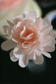 DIY tutorial: Coffee Filter Flowers :  wedding bird house centerpiece coffee filter diy paper flower IMG 2531