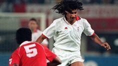 1990, Final da Taça dos Campeões Europeus, Benfica- Milan, Gullit tenta ultrapassar Aldair...