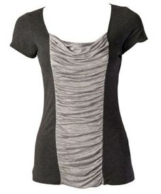 Scoopneck shirt to colour block shirt *now with a link to the tute* - CLOTHING (Diy Clothes Refashion) Sewing Hacks, Sewing Tutorials, Sewing Patterns, Diy Clothing, Sewing Clothes, T-shirt Refashion, Clothes Refashion, Refashioning Clothes, Refashioned Clothing