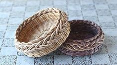How to make a Newspaper Basket Newspaper Basket, Newspaper Crafts, Basket Crafts, Paper Weaving, Tatting Jewelry, Cardboard Art, Victorian Dollhouse, Basket Decoration, Paper Clay