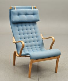 'Miranda' Lounge Chair | Bruno Mathsson for Dux | via Mid-Centuria. Sort of reminds me of an upscale Ikea chair.