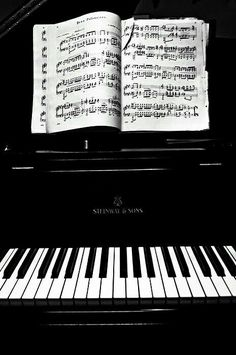a real piano, not just a digital piano good home decor as a wedding gift. #flychord #flychordpiano  #dp420k