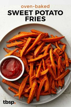 bekas Recipe x: Oven Baked Sweet Potato Fries Healthy Potatoes, Fried Potatoes, Roasted Potatoes, Gourmet Recipes, Dinner Recipes, Healthy Recipes, Healthy Food, Fries In The Oven, Potato Dishes
