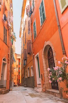 Nice is one of those place in France where you won't struggle for reasons to visit. In fact, I'd go as far as saying that with all the amazing things to do in Nice! Nice, South Of France, Orange Aesthetic, Aesthetic Colors, Aesthetic Pictures, Aesthetic Collage, Photo Wall Collage, Picture Wall, Color Photography