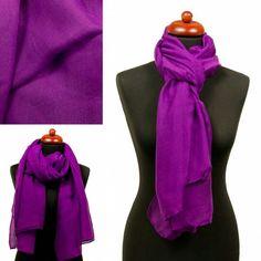 Lange sjaal paars  Materiaal:100% Viscose Afmeting: 180 x 85 cm  Link: http://www.sjaals4you.nl/sjaal-paars.html