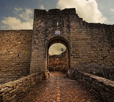 Peratallada (NO HDR) by Jose Luis Mieza Photography, via Flickr