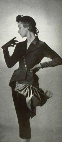 Jean Desses suit 1950.