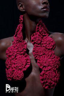 Outstanding Crochet: Nadia Dafri, fabric jewelry designer.
