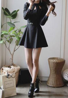 Three Keyholes Dress - Black - Unlined Slightly Stretch Fabric