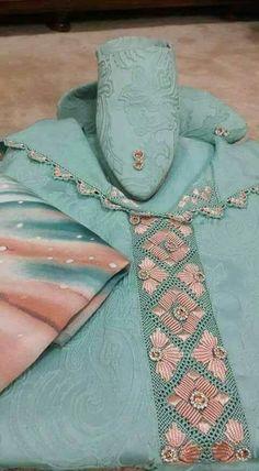 موقع يهتم بجديد الموضة والأناقة مع تعليم جميع فنون الخياطة والاعمال اليدوية