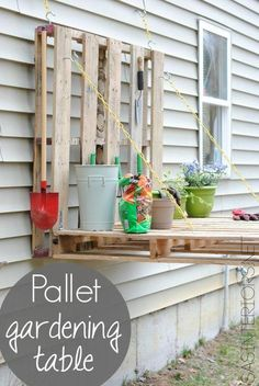 Such a smart idea for a cheap #DIY gardening station.