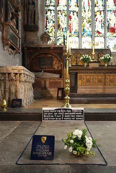 The 10 best ... famous graves