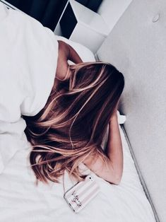 hair color looks so seamless! Down Hairstyles, Pretty Hairstyles, Simple Hairstyles, Everyday Hairstyles, Ponytail Hairstyles, Updos, Cut Her Hair, Hair Cuts, Hair Inspo