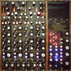 The infmous Traxx 1 $27000 custom built DJ mixer for the soundsystem at The Bloc night club in Tel Aviv, Isreal. More info... http://www.wavemusic.com/community/showthread.php?t=8061&highlight=Aviv