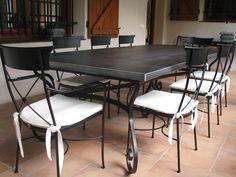 Mesa de forja modelo Damasco y sillones modelo Paris de www.fustaiferro.com #terraza #diseño #hosteleria