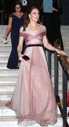 7fddc22f1 36 melhores imagens de Moda Kate Middleton em 2019