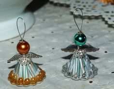 Angel Crafts, Christmas Crafts, Christmas Ornaments, Safety Pin Crafts, Beaded Angels, Antique Christmas, Beaded Ornaments, Upcycled Crafts, Seed Bead Earrings