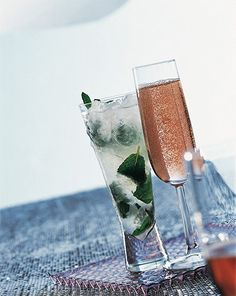 """Signature cocktails include gin rickeys, champagne juleps, and sidecars. How To Throw The """"Great Gatsby"""" Wedding Of Your Dreams Gatsby Theme, Great Gatsby Wedding, Gatsby Style, Art Deco Wedding, The Great Gatsby, Wedding Ideas, 1920s Wedding, Party Wedding, Dream Wedding"""