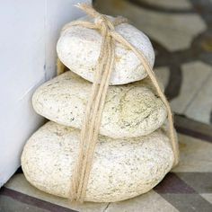 how-to-use-pebbles-to-decorate-your-interior-15.jpg (600×600)