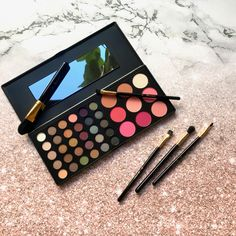 SPECIAL OCCASION EYESHADOW AND BLUSH PALETTE