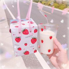 Transparent Strawberry Water Cups ●About Shipping: We attach great importance to the orders of each customer and parcel delivery. Peach Aesthetic, Aesthetic Themes, Aesthetic Food, Vanellope Y Ralph, Cute Water Bottles, Japanese Snacks, Japanese Drinks, Pink Foods, Kawaii Room