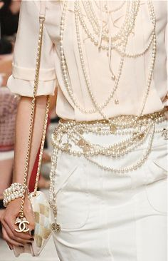 Chanel, 2014 Resort Accessories - PEARLS!!  Good to know that Karl Lagerfeld didn't forget the oceans gems....He never fails to make them fresh every season.