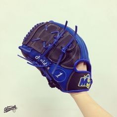 GLOVEWORKS for MADONNA UNIVERSITY Gloveworks x Holder * Pro Steer-hide in Royal Blue & Black * Text Embroideries on Thumb * Madonna University Athletics Logo : Crusader on Wrist Wish for the best game for ‪#‎CrusaderNation‬ at ‪#‎MadonnaUniversity‬ ‪#‎Gloveworks‬ ‪#‎Baseball‬ ‪#‎BaseballGlove‬ ‪#‎CustomGlove‬ ‪#‎BaseballMitt‬ ‪#‎CustomMitt‬ #MadonnaUniversity ‪#‎Crusader‬